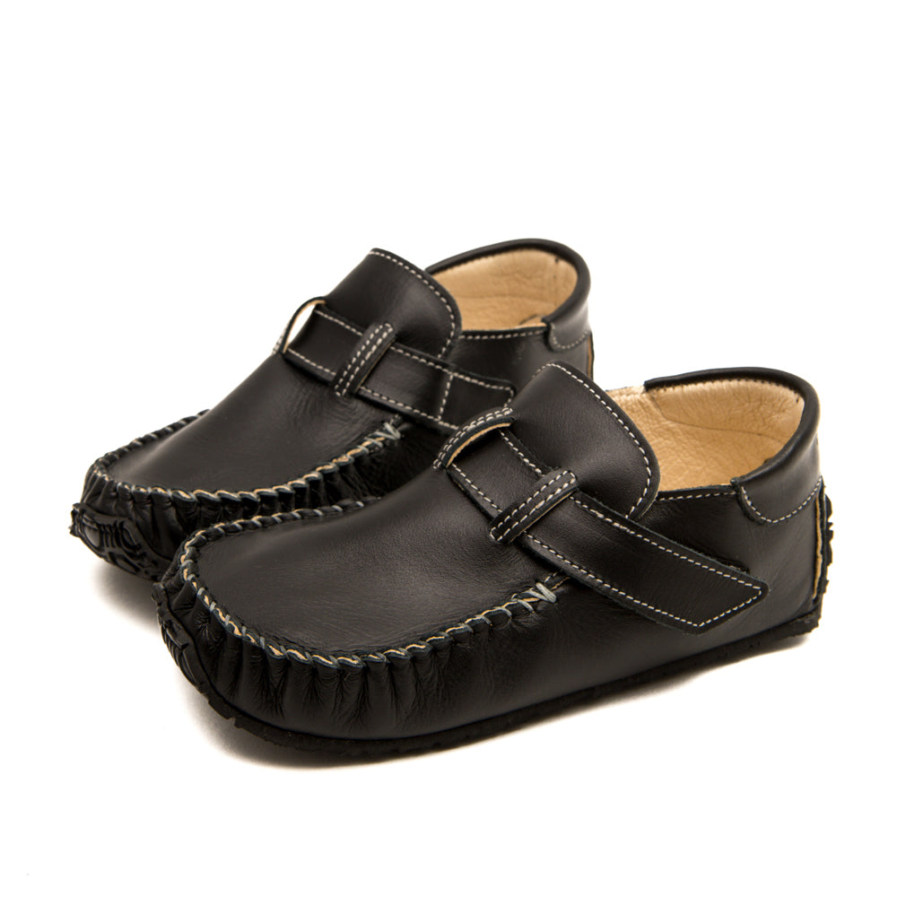 Side view of Zeazoo black leo barefoot healthy shoes for kids