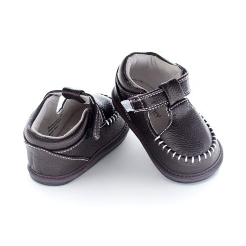 A rear view of Jack and Lily's Lincoln children's barefoot shoe in brown