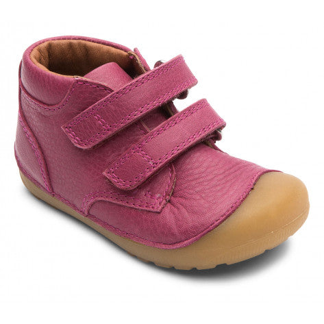 A side view of a Rosewine Petit Velcro children's barefoot shoes