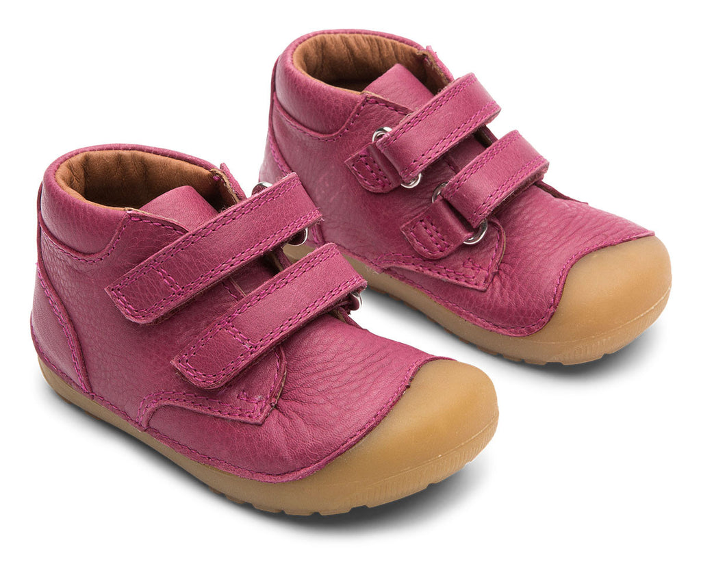 A side view of a pair of Bundgaard's Rosewine Petit Velcro children's barefoot shoes