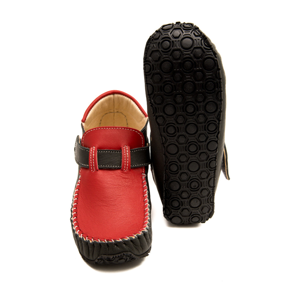 Picture of the sole of the ZeaZoo leo minimalist shoes for kids