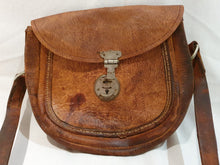 Load image into Gallery viewer, leather pouch