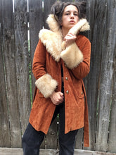 Load image into Gallery viewer, Vintage 1970s Fingerhut Fashion Janis Joplin Vibe Velvet & Faux Fur jacket