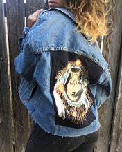 Load image into Gallery viewer, Upgraded 1 of 1 Vintage 90s Levis Jacket with patch