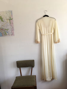 Vintage beautiful silky gown robe with lace detail