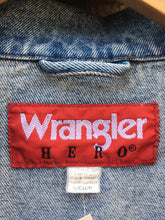 Load image into Gallery viewer, Vintage 90's stonewash Wrangler Hero Denim Jacket w/ Eagle Patch