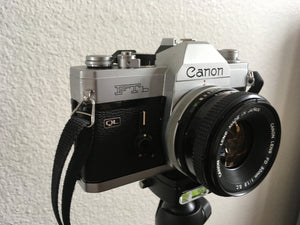 Canon FTb 35mm SLR film camera Vintage 1970s