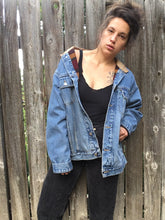 Load image into Gallery viewer, Vintage 90's Woolrich Southwest Lined Denim Jacket