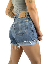 Load image into Gallery viewer, Levi 560 Distressed Cutoff Shorts
