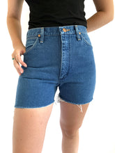 Load image into Gallery viewer, Slim hip Wrangler Cutoffs