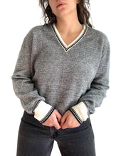 Load image into Gallery viewer, Soft 60s Vintage Sweater
