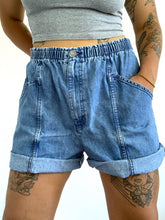Load image into Gallery viewer, Vintage 90s Stonewash Shorts