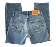 Load image into Gallery viewer, Distressed 501 Levi's