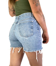 Load image into Gallery viewer, Vintage Light Stonewash Cutoff Shorts