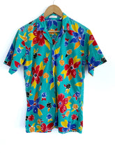 Load image into Gallery viewer, Vintage Hawaiian Vacation Button Down