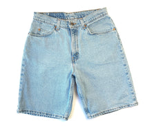 Load image into Gallery viewer, Light Wash Levi's 560 Dad Shorts