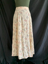 Load image into Gallery viewer, Vintage Yellow Flower Skirt