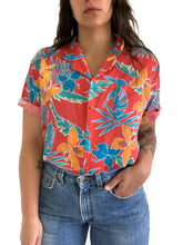 Load image into Gallery viewer, Vintage 1970's Hawaiian Button Up