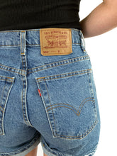 Load image into Gallery viewer, Vintage Stonewash 550 Levi's Shorts