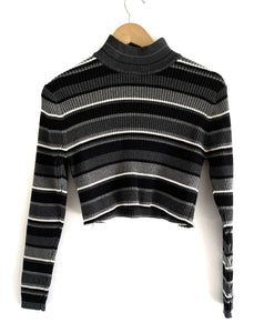 Vintage Crop Turtle Neck