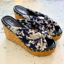 Load image into Gallery viewer, CAMILLA TOKYO TRIBE JAPANESE STORY WEDGE
