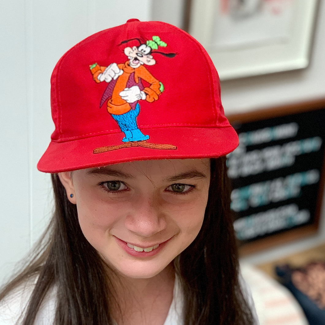 DISNEY STORE GOOFYCAP RED