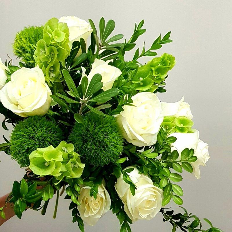 White and green seasonal bouquet of the freshest flowers of the market, from the best florist in Ashburton, Victoria.  The Branche delivers flowers to Malvern, Malvern East, Ashwood, Camberwell, Glen Iris, Toorak, Ashwood, Burwood, Carnegie, Glen Huntly, Hughesdale, Kooyong, and Oakleigh.  You will find your best florist near me is The Branche Ashburton. Order flowers online.