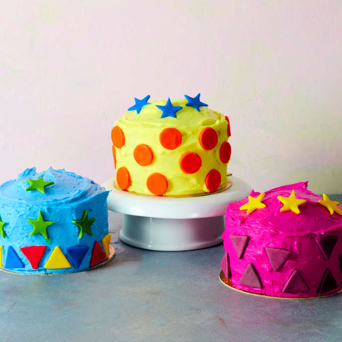 How to Bake and Decorate Mini Cakes