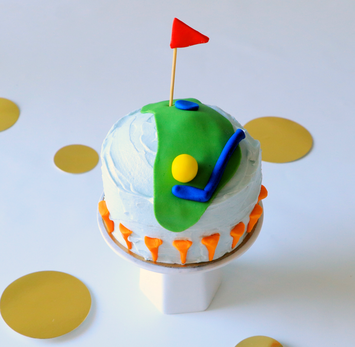 Golf-Themed Mini Cake