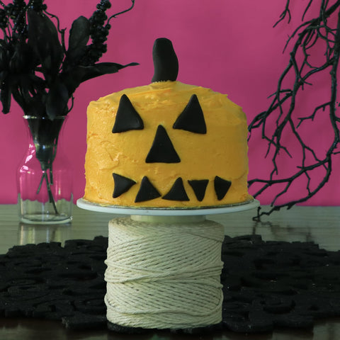Pumpkin Mini Cake for Halloween