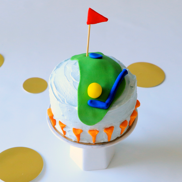 Mini cake decorated with golf theme