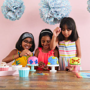 Girls decorating mini cake kit