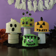 Load image into Gallery viewer, Halloween cakes from Halloween edition mini cake kit