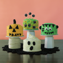 Load image into Gallery viewer, Halloween cakes from mini cake kit