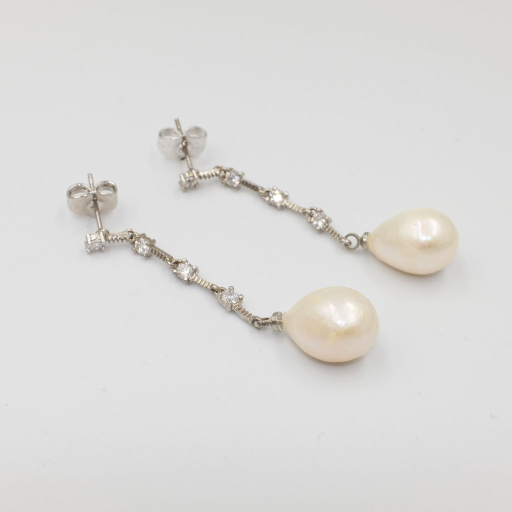 Princess' Love Pearl Earrings
