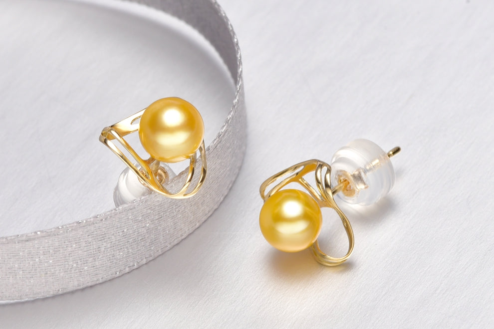 18K Gold Japanese Akoya Pearl Stud Earrings