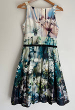 Load image into Gallery viewer, OJAY amazing Lilypad border print Aline pleat dress size 8