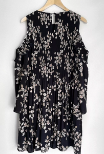 (Preloved) WITCHERY gorgeous Pleat Cold Shoulder Floral Dress Size 12