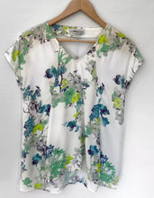 Load image into Gallery viewer, VERONIKA MAINE divine Printed Viscose Relaxed Fit Top Blouse Size 6 NEW