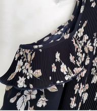 Load image into Gallery viewer, (Preloved) WITCHERY gorgeous Pleat Cold Shoulder Floral Dress Size 12