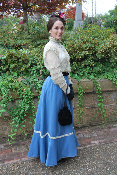 Liza at the Victorian Holiday Festival in antique blouse and skirt.