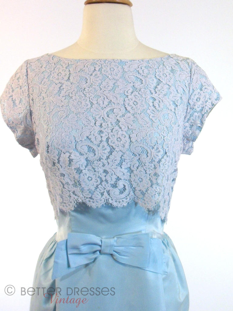 Vtg 60s Blue Gown With Lace Bodice - close view