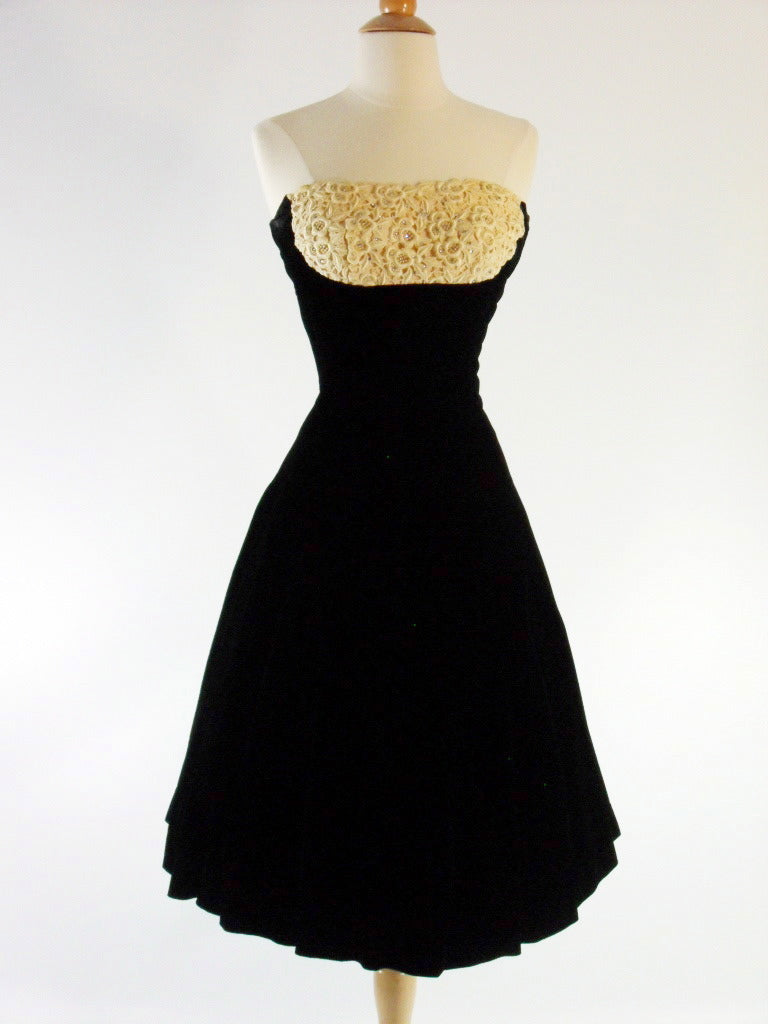 50s Black Velvet Strapless Party Dress - sm, med