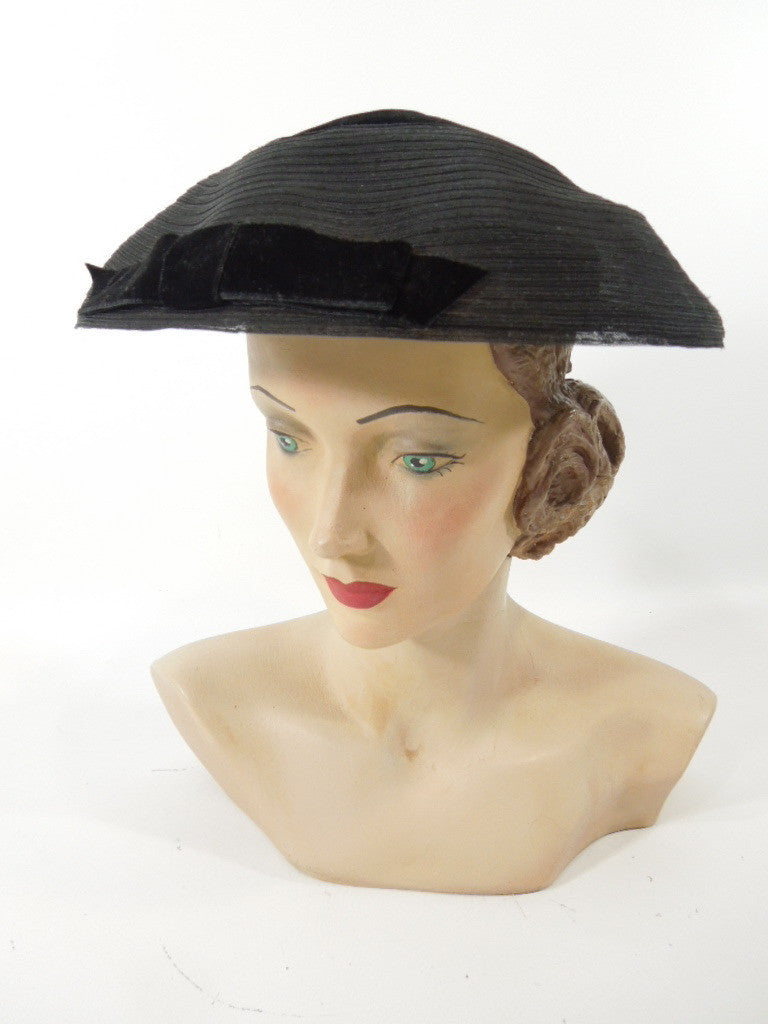 1940s 1950s Hat Black New Look Pancake in Sinamay and Velvet ... 602cdccc433e