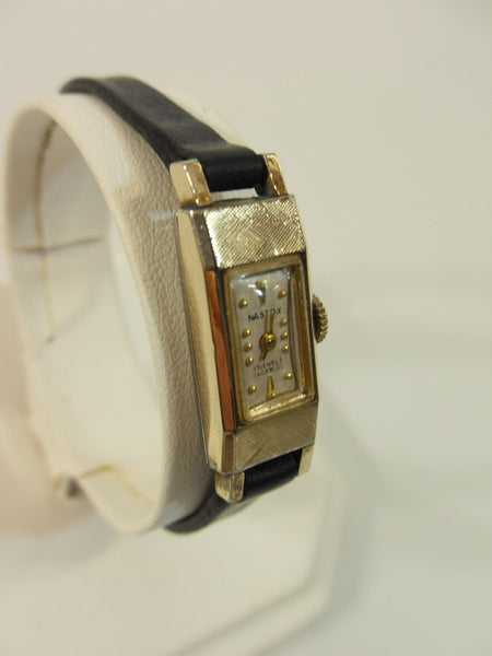 1950s Nastrix Gold-Plated Windup Watch - angle