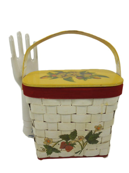 70s Basket Purse With Strawberries