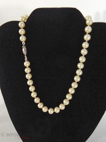 50s Faux Pearl Necklace