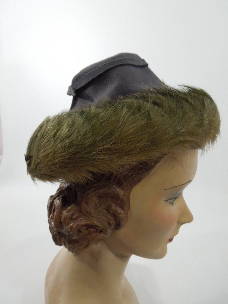 Early 40s New York Creation hat from Regenstein's Atlanta at Better Dresses Vintage. Side view.