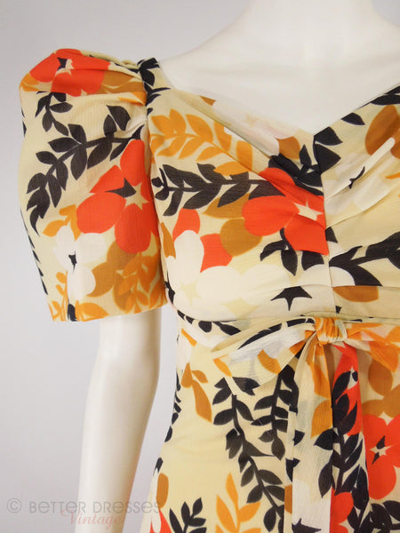 60s/70s Bold Floral Maxi Dress - bodice detail