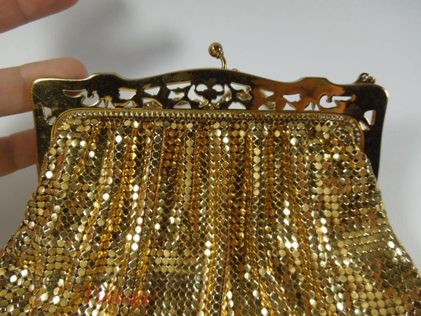1940s whiting and davis gold mesh purse � better dresses